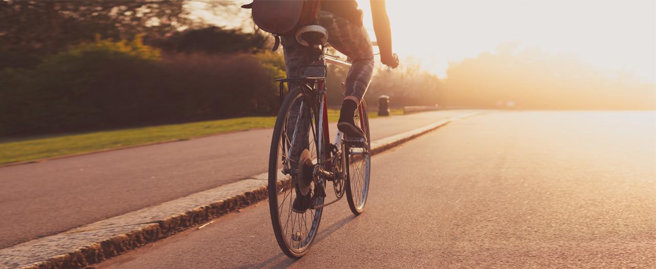 Врач-новатор на велосипеде