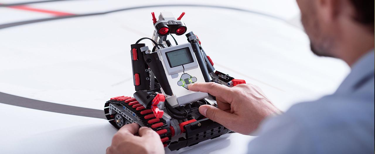 В Якутии робот помогает врачам с осмотром пациентов