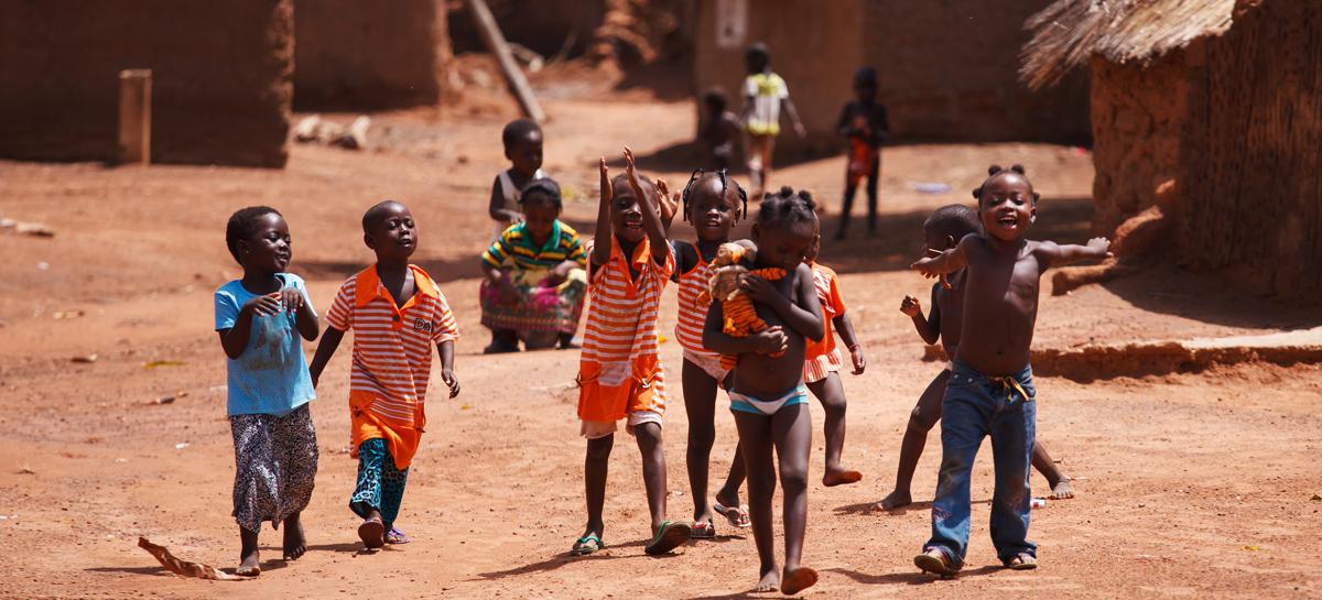 Челябинец победил рак и уехал в Африку помогать другим