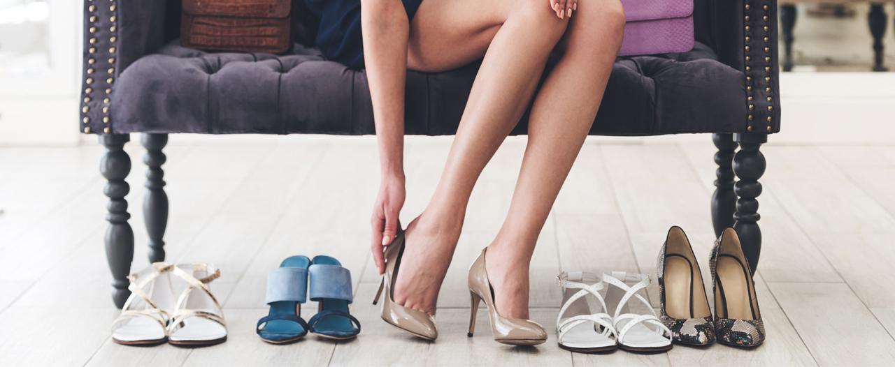 Высокий каблук и совсем плоская обувь — одинаково плохо