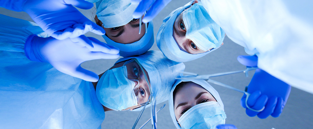 Пациент при установке кардиостимулятора общался с врачами