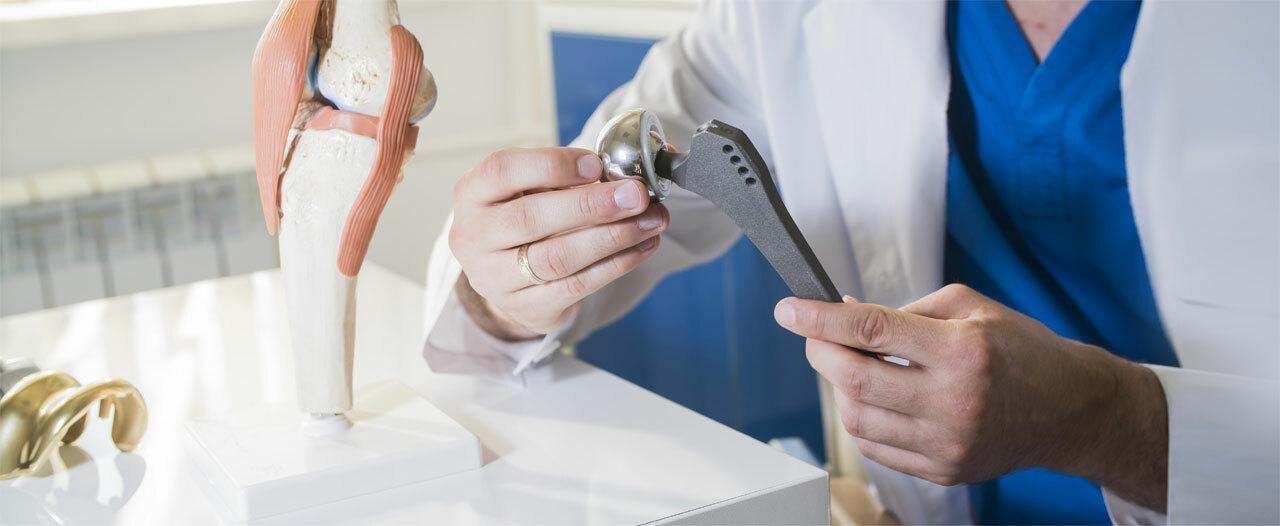 Ученые нарастили костную оболочку на титановые импланты