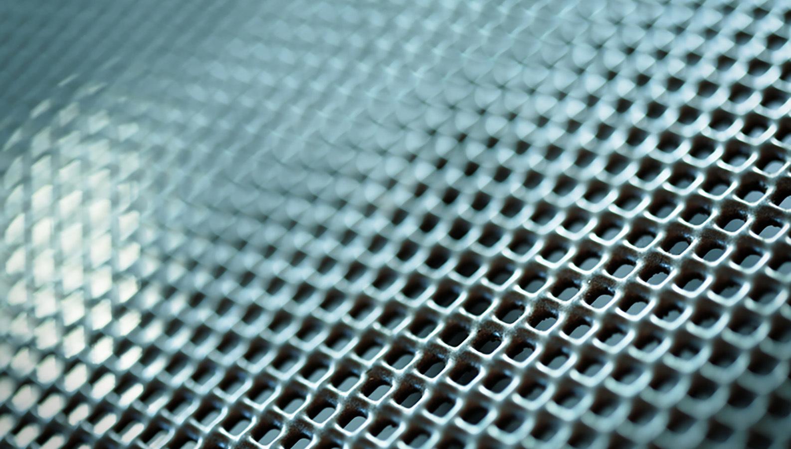 Титановый шелк – имплантат будущего