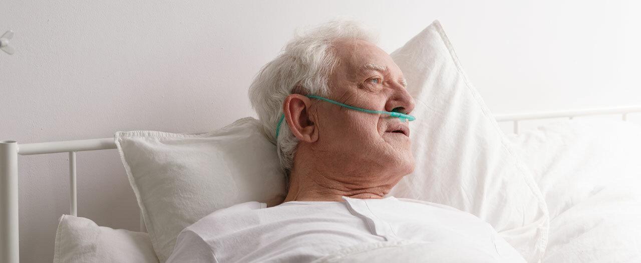 Врачи Тюмени провели операцию на сердце 80-летнему пациенту