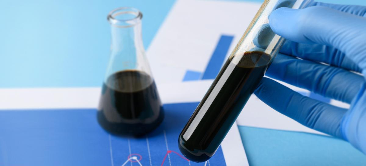 Нефтепродукты против «супербактерий»