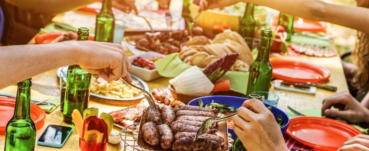 Россияне даже летом предпочитают тяжелую пищу