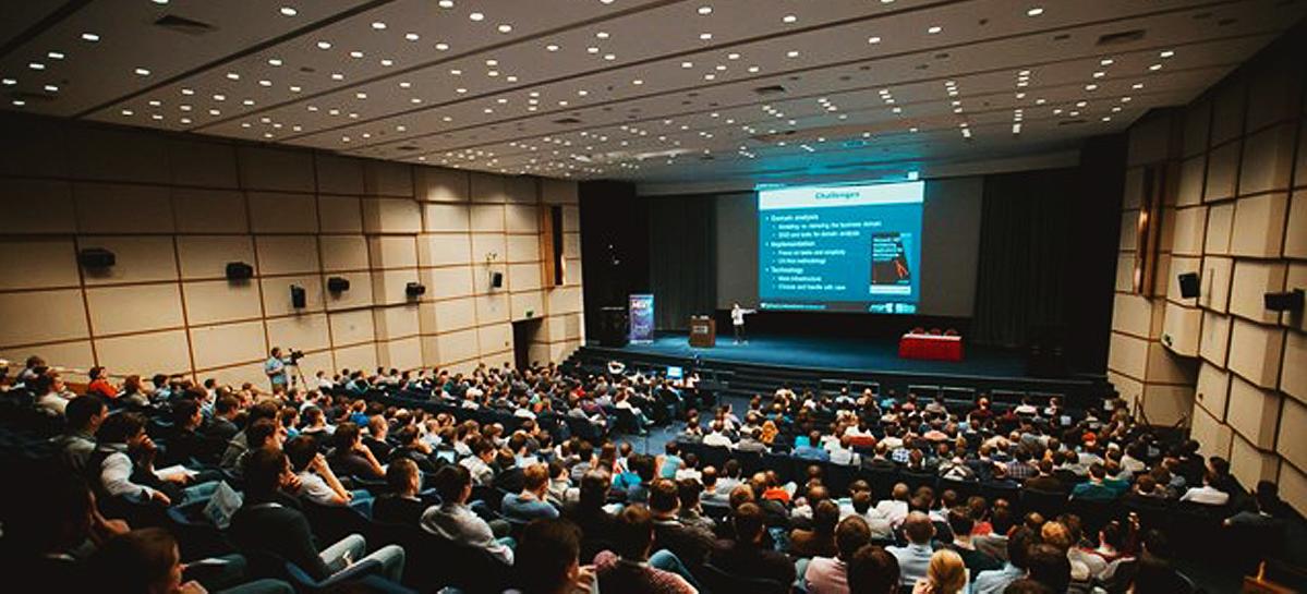 В Екатеринбурге врачи обсудили диагностику и лечение рассеянного склероза