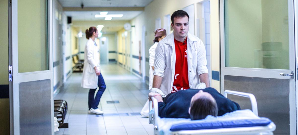 Число волонтеров-медиков выросло вдвое
