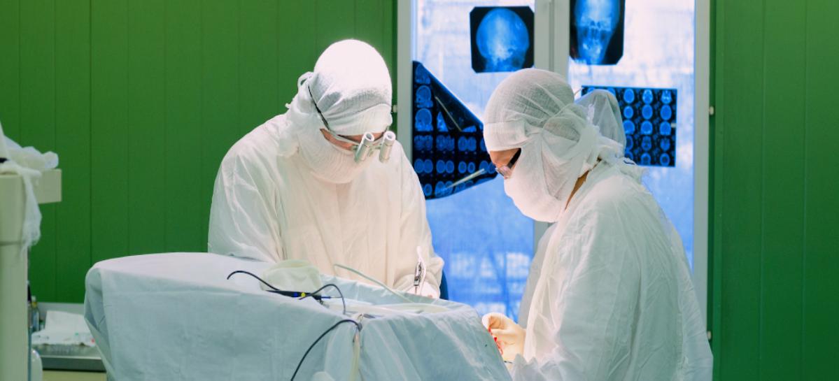 Кузбасские хирурги провели сложнейшую операцию по удалению опухоли мозга