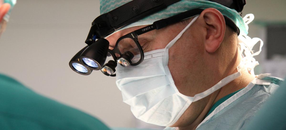 В Центре Алмазова впервые имплантировали «искусственное сердце» нового поколения