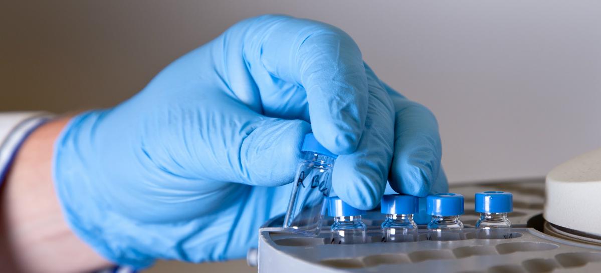 Новосибирские ученые проводят испытания лекарства против глиомы