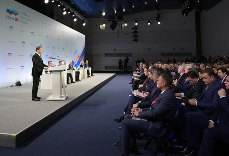 Медведев поручил создать модель больницы с исключительно российским оборудованием