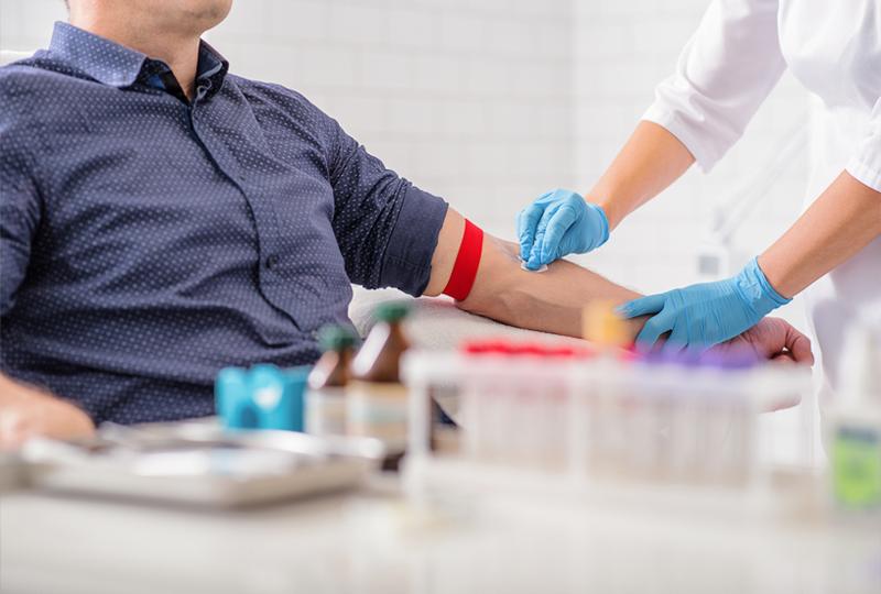 «Инвитро» предлагает бесплатно сделать анализы на гепатит и ВИЧ