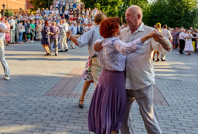 Москвичи стали жить дольше большинства россиян