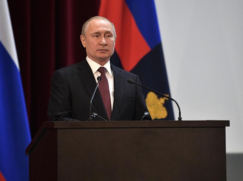 Президент РФ Владимир Путин: «Нужно спокойно, необременительно в финансовом смысле создавать такую систему, которая повышала бы ответственность каждого за состояние своего здоровья»