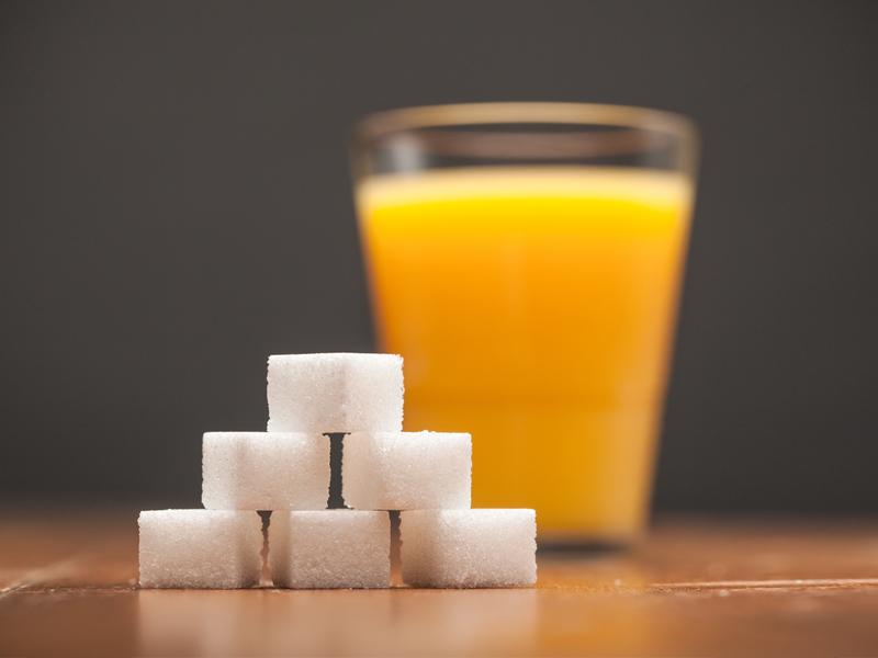 В правительстве озаботились чрезмерным содержанием сахара в соках