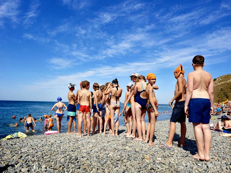 В российских здравницах на море отдохнули более 65 тысяч детей