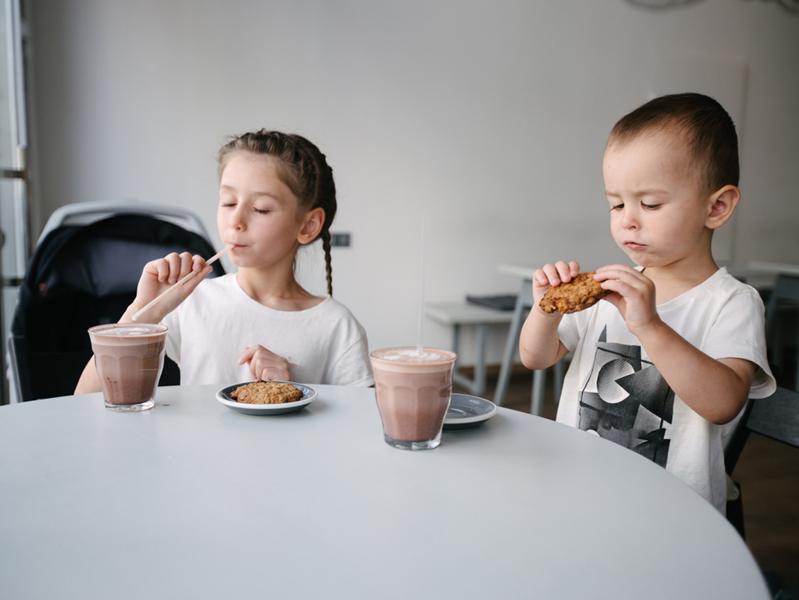 60% продуктов в рекламе на детских каналах не соответствуют здоровому питанию