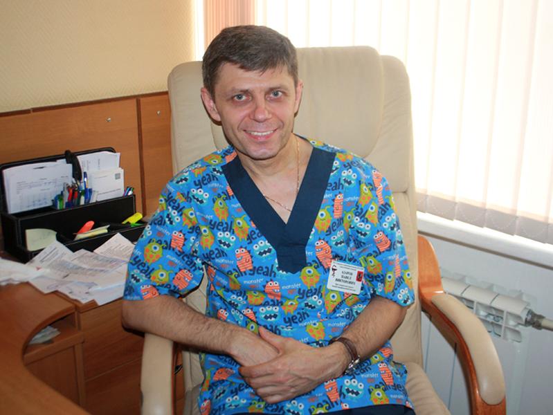 Завотделением оториноларингологии и микрохирургии уха ГКБ № 52 Павел Азаров – о заботе о слухе