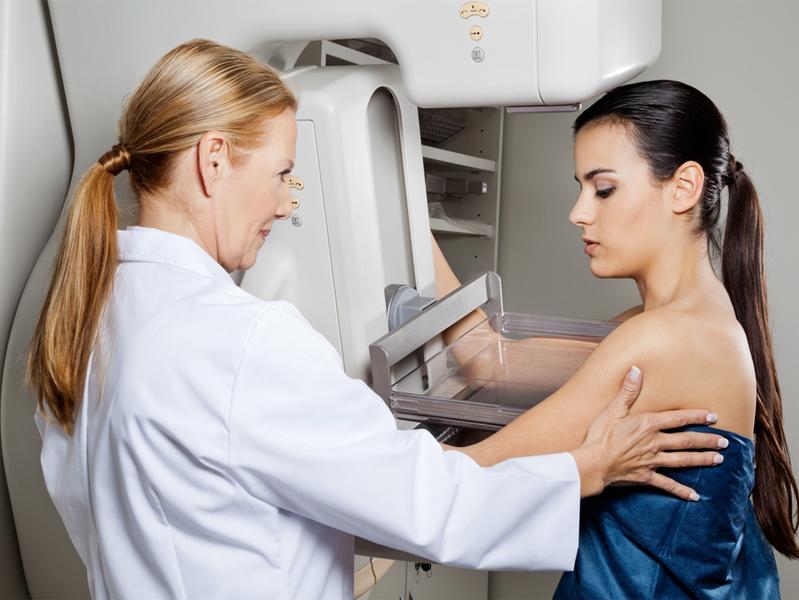 Найти и обезвредить: москвичкам напомнили о необходимости своевременного обследования на рак груди
