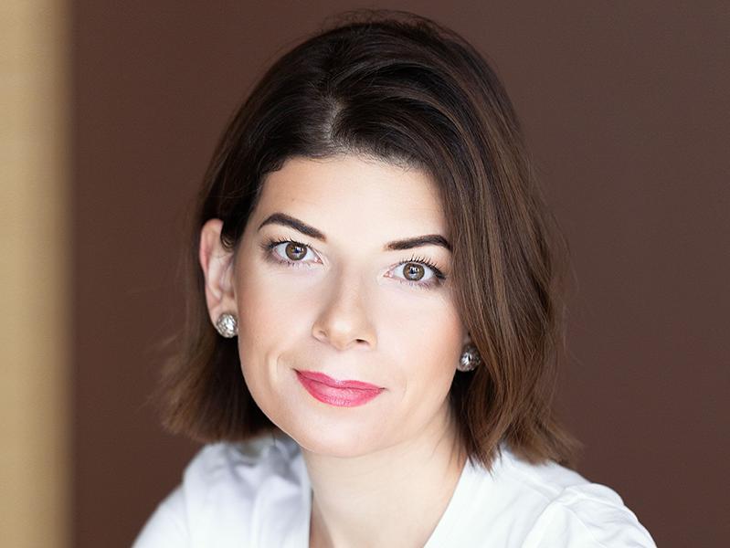 Выступление исполнительного вице-президента по маркетингу и бренду «Билайн» Ирины Лебедевой