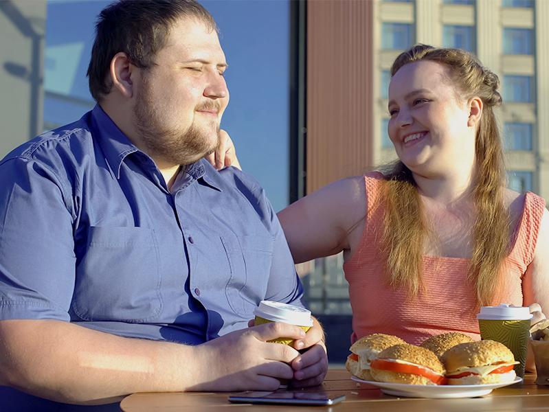 Неправильное питание привело к увеличению числа случаев ожирения, в основном – среди мужчин