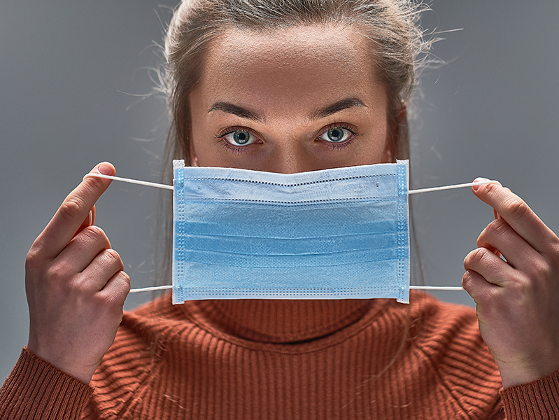 Действительно ли маска спасает от коронавируса?
