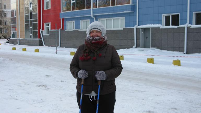 Автор статьи Светлана Бурянина во время скандинавской ходьбы